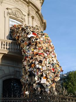 """Alicia Martín, """"Biografias"""" (2003). Casa de América, Madrid. Cortesía: Galería Galica, Milán."""